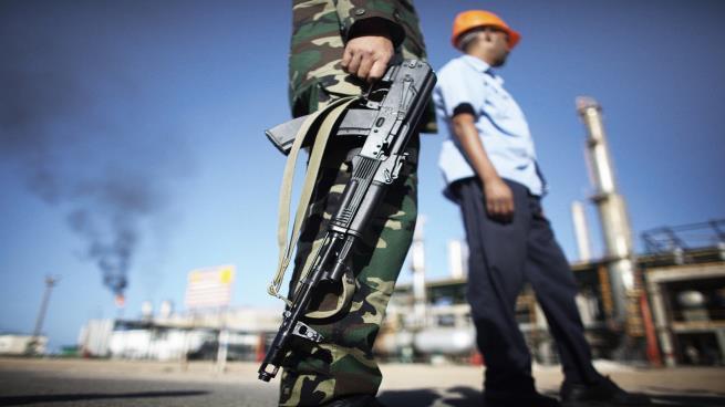 Photo of اتهامات لآل سعود بتعطيل إمدادات النفط في ليبيا