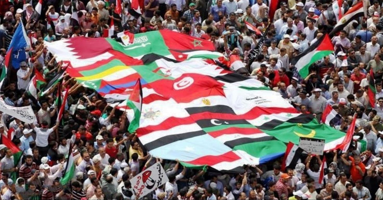 Photo of عقد على انطلاق الربيع العربي.. دور سعودي رئيسي في دعم الثورات المضادة