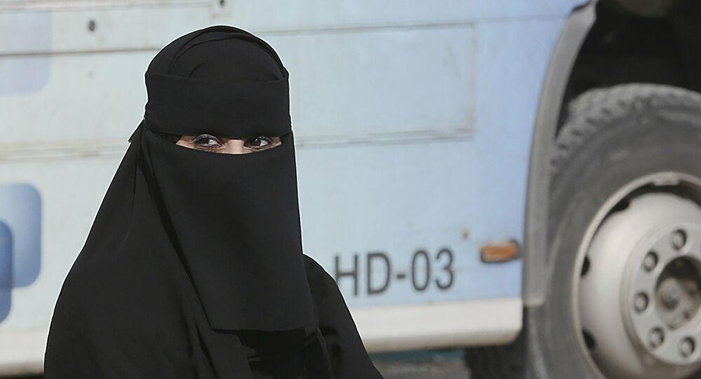Photo of الحكم بإعدام سيدة سعودية قتلت عاملة بنجلاديشية